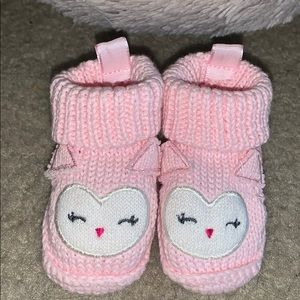 Little pink knitted owl shoes